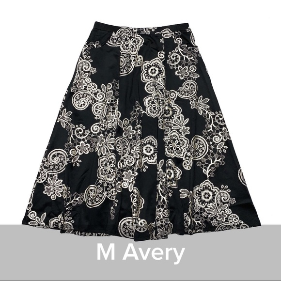 Lularoe Avery Skirt - M